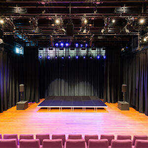 theaterzaal-front-mimik